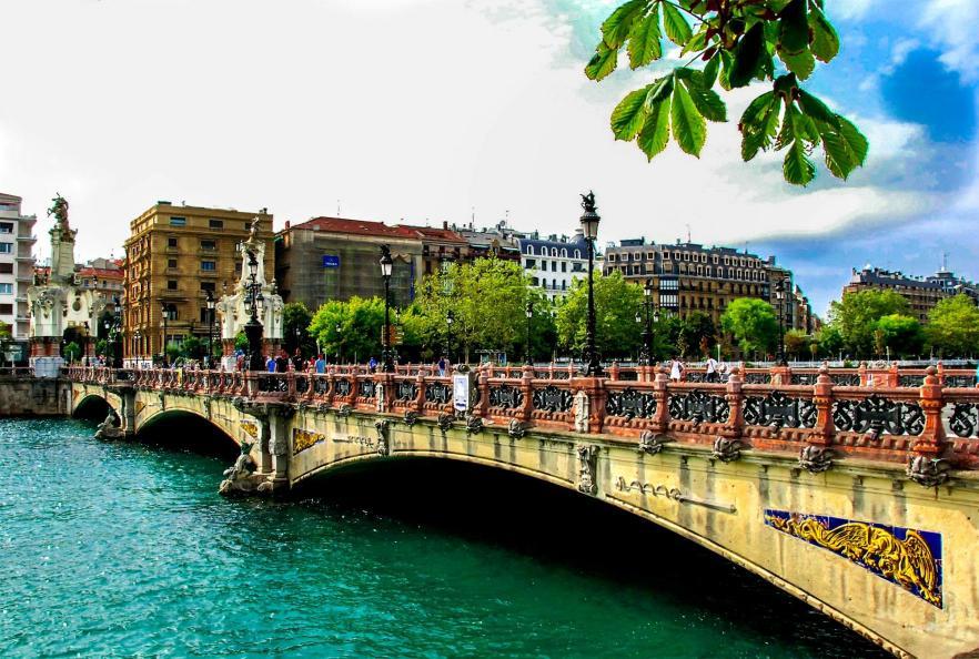Puente de mar a cristina san sebastian guip zcoa - El tiempo para manana en san sebastian guipuzcoa ...
