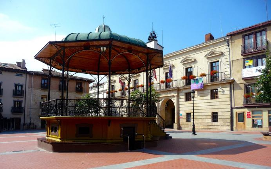 Plaza de espa a y templete miranda de ebro burgos for Hoteles en miranda de ebro burgos