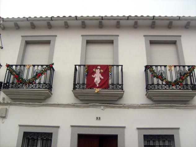 La fachada de casa adornada hinojosa del duque c rdoba - Casas en hinojosa del duque ...