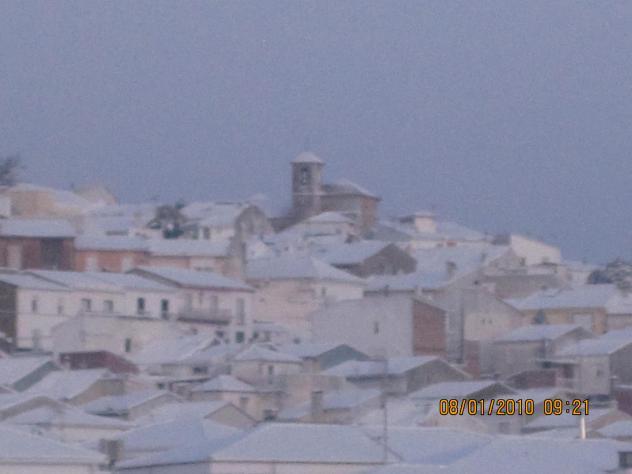 Al fondo nevado la iglesia y alcal nevada alcala la real - Antonio daza alcala la real ...