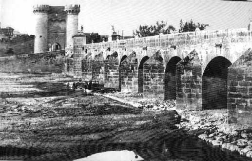 Antiguas torres de san jose y puente de san jose valencia for Fotos antiguas de valencia