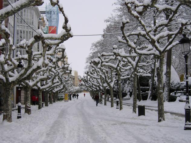 El paseo del Espolón con nieve, BURGOS