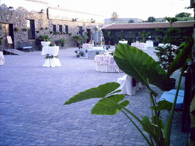 Patio de bodas de casas rurales ramos hinojosa del duque - Casas en hinojosa del duque ...