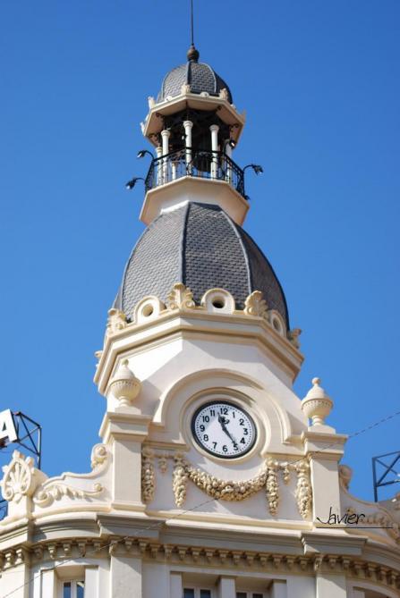 El reloj de la puerta del sol castellon de la plana for Reloj de puerta del sol