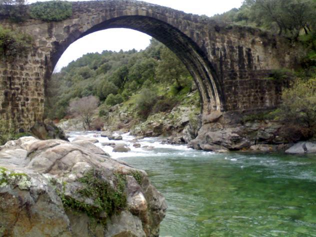 Puente romano madrigal de la vera c ceres for La vera caceres