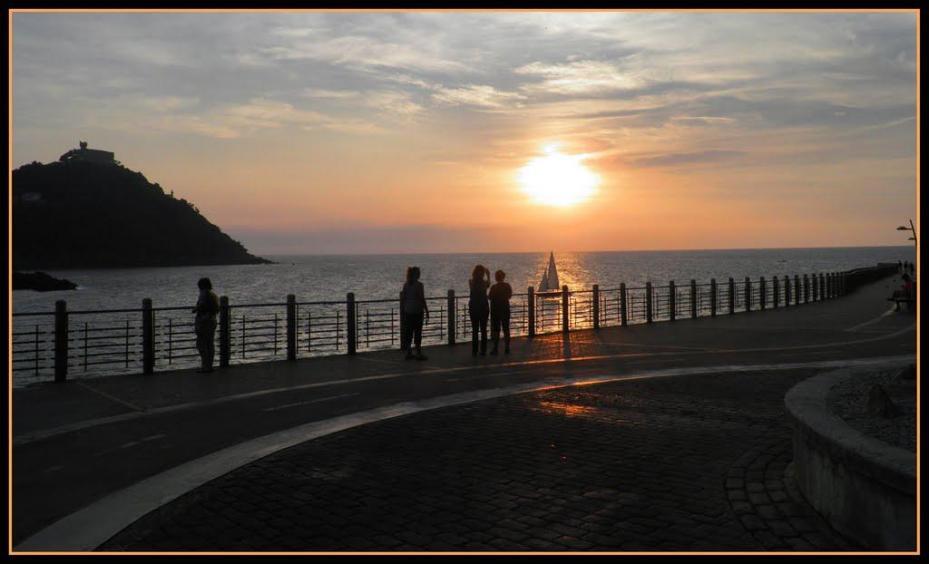 Atardecer en el paseo nuevo san sebastian guip zcoa - El tiempo para manana en san sebastian guipuzcoa ...