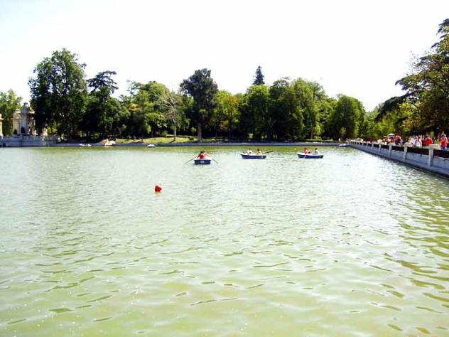 Parque del buen retiro barcas 2005 05 07 madrid for Parque del retiro barcas