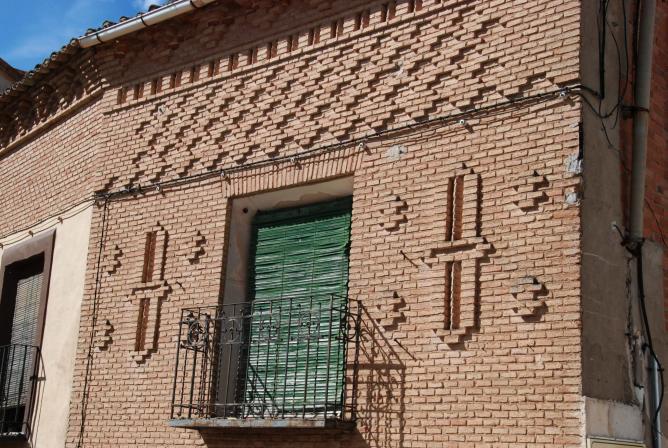 fachada de ladrillo hita guadalajara
