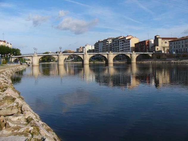 Puente carlos iii miranda de ebro burgos for Hoteles en miranda de ebro burgos