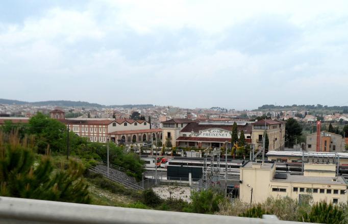 Las cavas freixenet con el pueblo al fondo sant sadurni d 39 anoia barcelona - Tiempo en sant sadurni d anoia ...