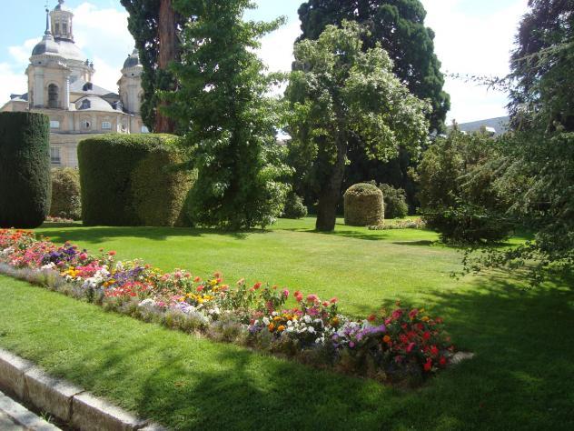 Jardines lujosos san ildefonso o la granja segovia for Jardines lujosos