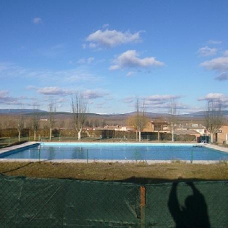 La piscina la revilla burgos for Piscinas el plantio burgos