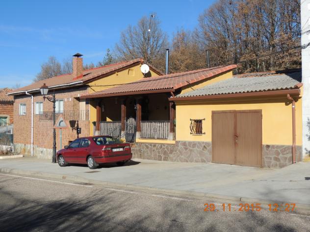 Casa con porche cubierto mantinos palencia - Casas con porche ...