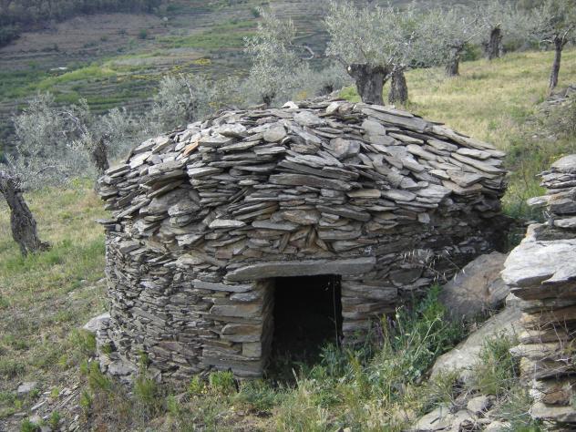 Construccion de piedra seca choza y vivienda lagunilla salamanca - Piedras para construccion ...