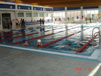 piscina cubierta huetor tajar granada