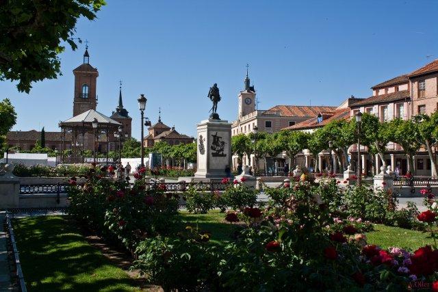 Plaza de cervantes alcala de henares madrid - Casas regionales alcala de henares ...