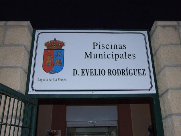 Piscina evelio rodr guez de la fuente royuela de rio for Piscina francos rodriguez