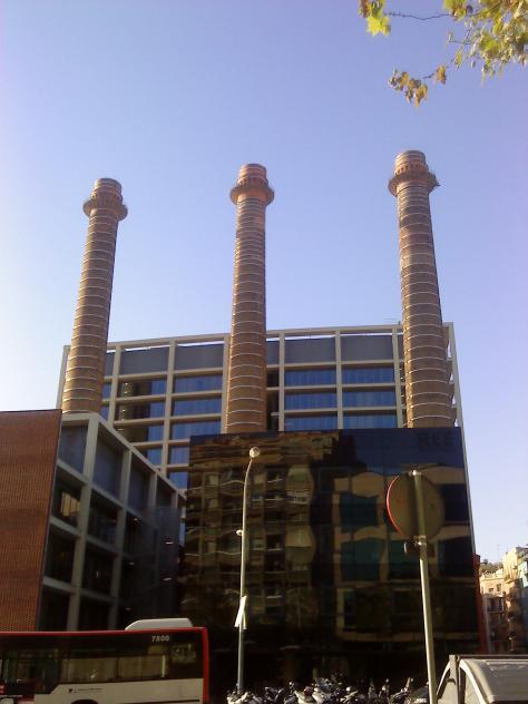 Las tres chimeneas del paralelo barcelona - Chimeneas barcelona ...