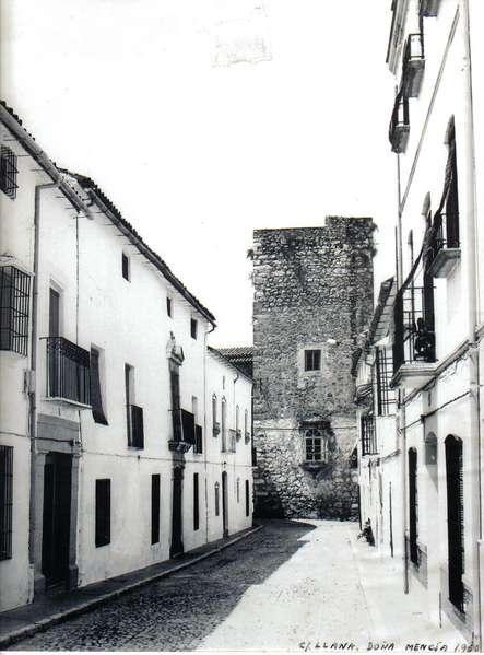 Calle llana y torre del homenaje do a mencia c rdoba - Fotos de dona mencia ...