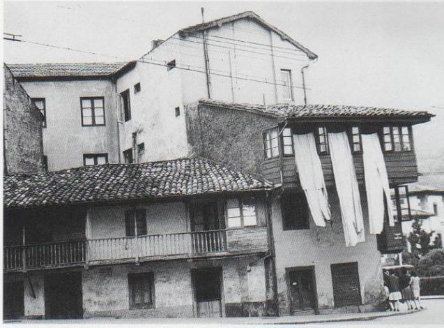 Casa de edelmiro el sastre pola de lena asturias - Casa el sastre ...