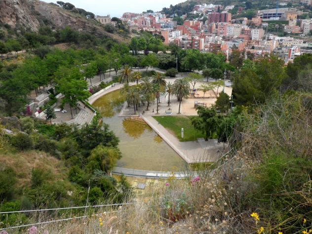 Laguna del parc de la creueta del coll barcelona for Piscina creueta del coll