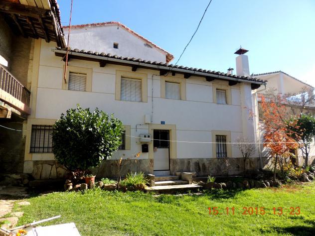 Casa nueva pintada en el interior villalba de guardo - Casas en guardo ...