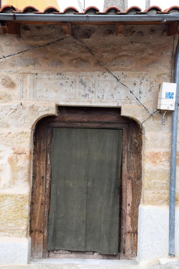 Puerta casa antigua villares de la reina salamanca for Puertas blindadas antigua casa gutierrez