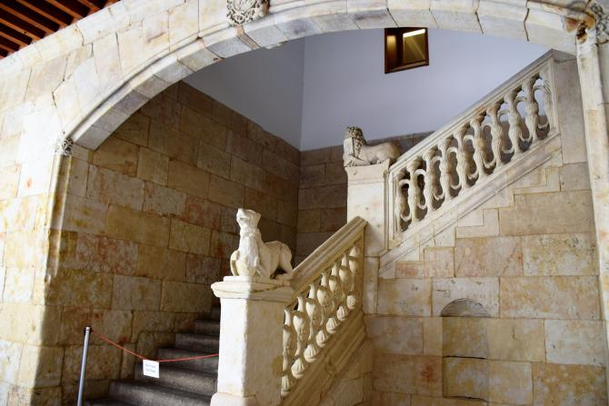 Escalera en la casa de las conchas salamanca for La casa de las escaleras