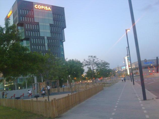 Parque ni os plaza europa de hospitalet l 39 hospitalet de for Parques ninos barcelona