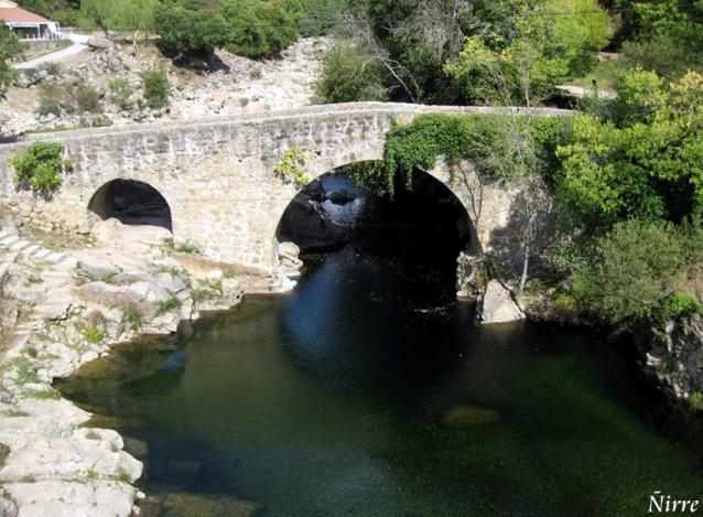 Puente Sobre Garganta De Cuartos Losar De La Vera Caceres