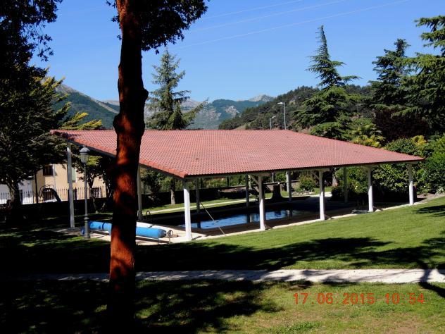 La piscina del chalet de pe a barrio cervera de pisuerga for Piscina cervera