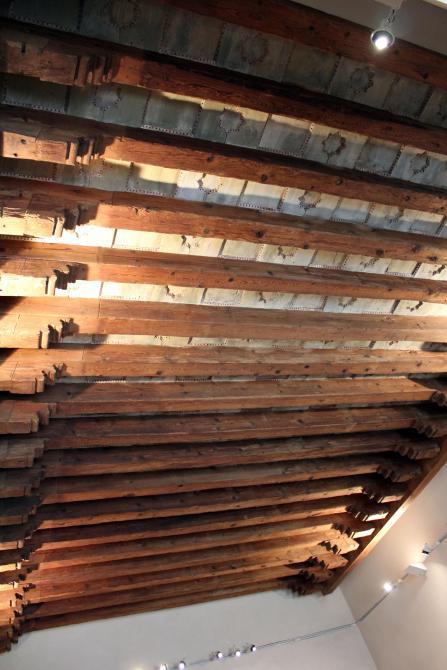 Techo con listones de madera valladolid for Listones de madera para palets