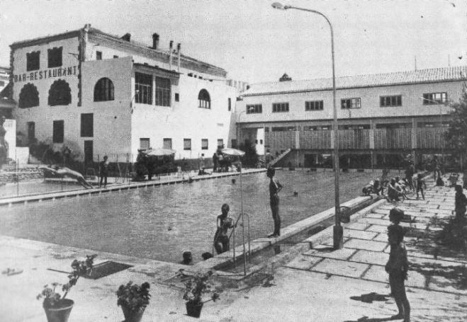 Antigua piscina municipal d c llar cullar granada for Piscina municipal de granada