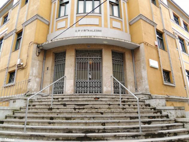 Puerta del colegio vista alegre sestao vizcaya for Puerta 4 del jockey