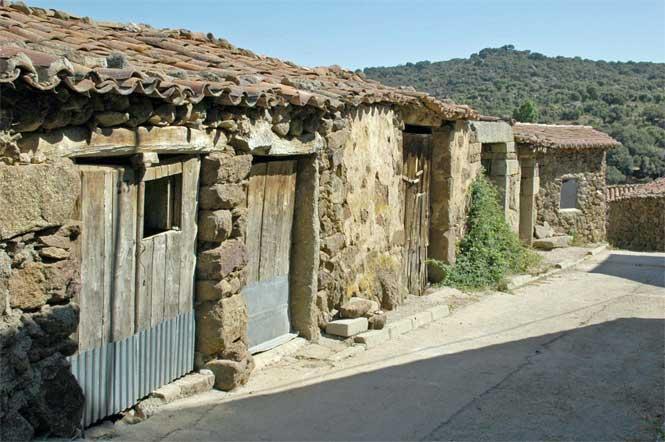 Casas antiguas riofraguas avila for Decoracion de casas antiguas fotos