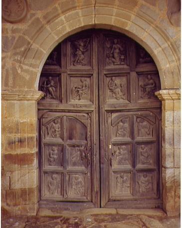 Fuente encalada zamora for Puertas de madera antiguas en cordoba