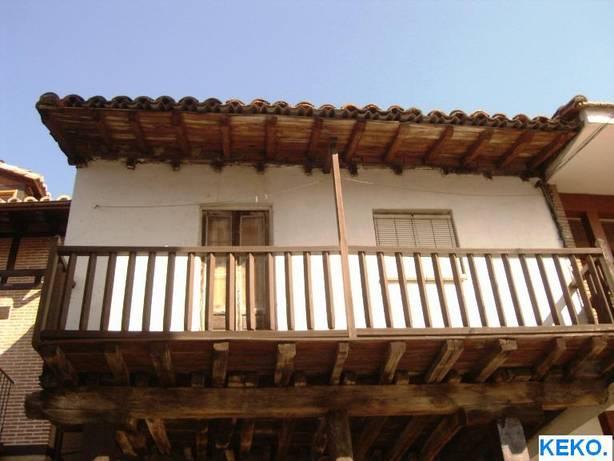 Balc n en madera t picos de estas zonas san esteban del valle avila - Balcones de madera ...