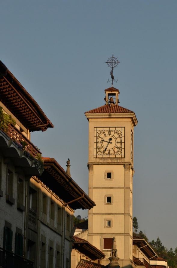 Torre con reloj gernika lumo vizcaya - El tiempo gernika lumo ...
