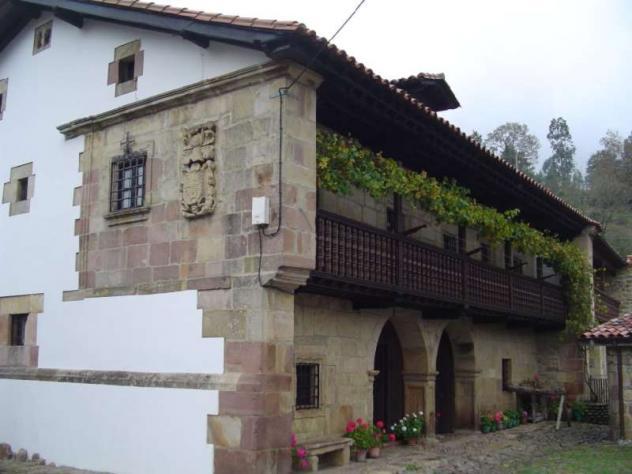 Casona monta esa barcenillas cantabria - Casa montanesa ...