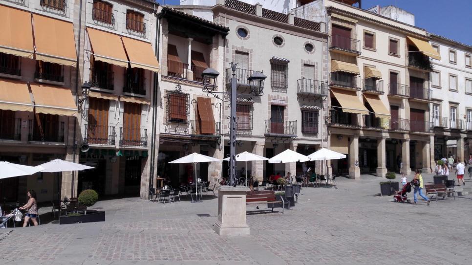 Terrazas En La Plaza De Andalucia Ubeda Jaén