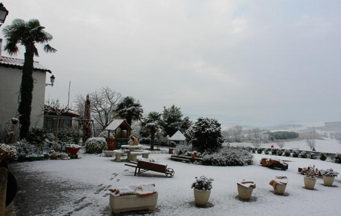 Estampa de jardin en invierno paternain navarra for Jardin de invierno loi suites