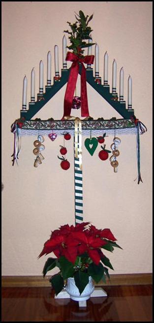 Ramo de navidad t pico de la iglesia puente almuhey le n - Arbol tipico de navidad ...