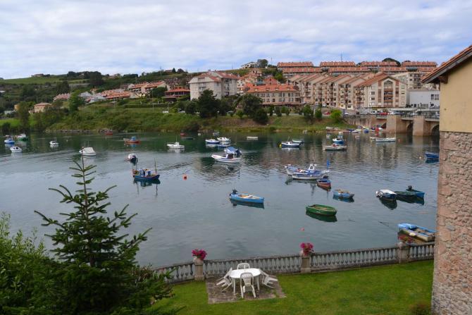 Marea Alta San Vicente De La Barquera Cantabria