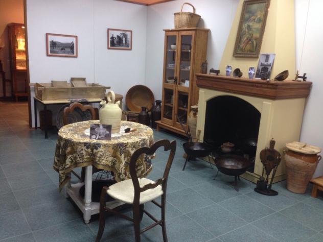 Museo arqueol gico utensilios antiguos cocina alhambra for Utensilios antiguos de cocina