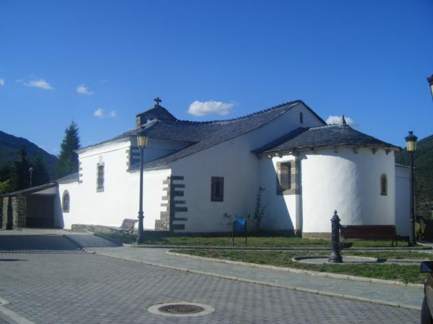 iglesia romanica de santiago, PESOZ (Asturias)