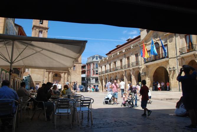 Plaza de la constituci n terraza oviedo asturias for Terrazas oviedo