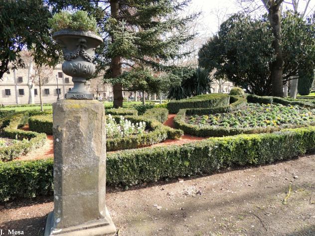 Jardines de la taconera pamplona navarra for Jardines de la taconera