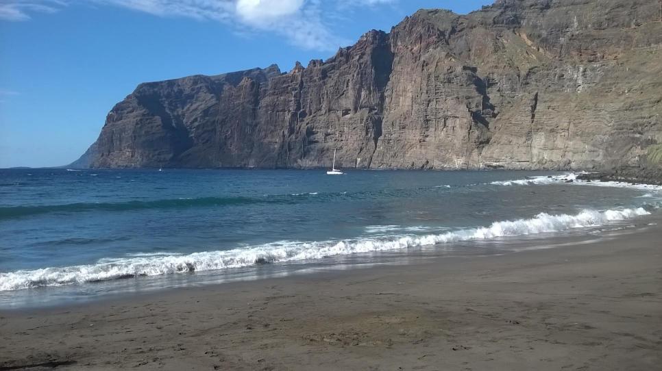 Playa de argel y acantilados de los gigantes puerto de santiago s c de tenerife - Puerto de los gigantes ...