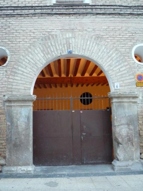 Puerta de la casa grande la cartuja zaragoza - Casa grande zaragoza ...
