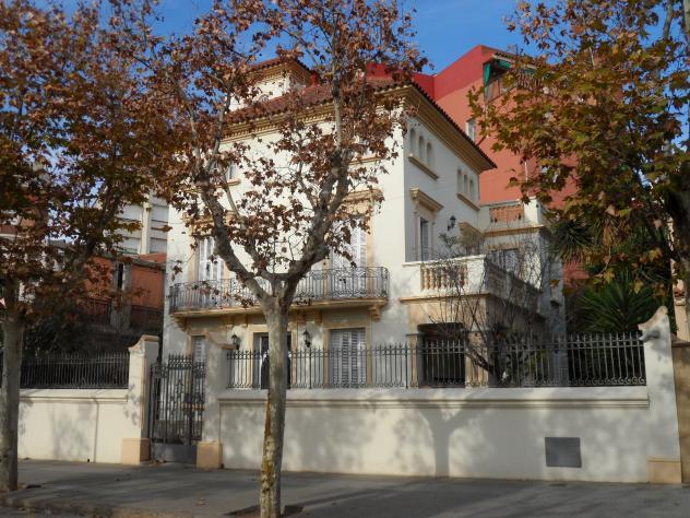 Casa francesc serra sant feliu de llobregat barcelona - Casas sant feliu de llobregat ...